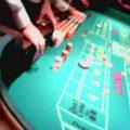 クラップス(CRAPS)の基本知識~ルール概要と賭け方・配当~